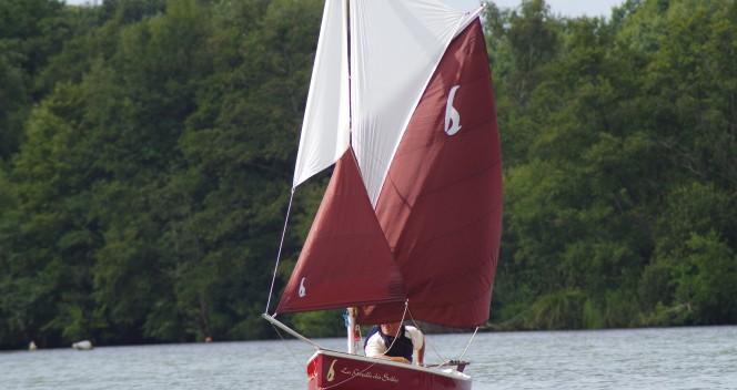 petit-voilier-transportable-gazelle-des-sables-bateau-a-voile-tradition-architecte-naval