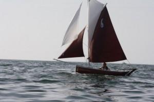 petit-bateau-a-voile-voilier-transportable-gazelle-des-sables -clin-foc (1)