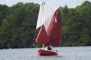 petit-bateau-a-voile-voilier-transportable-gazelle-des-sables -clin-foc (3)