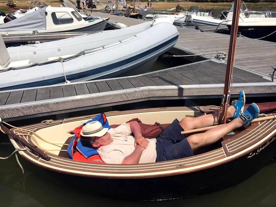 dormir à bord du petit voilier Gazelle Des Sables taille cockpit